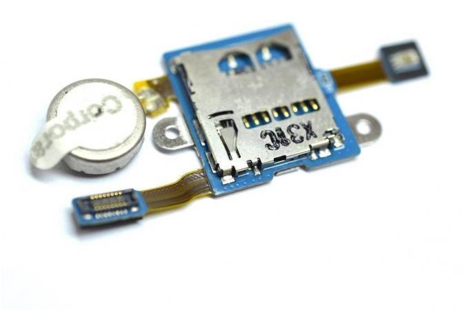 Шлейф для Samsung P5200 Galaxy Tab 3 10.1 с контактами MMC