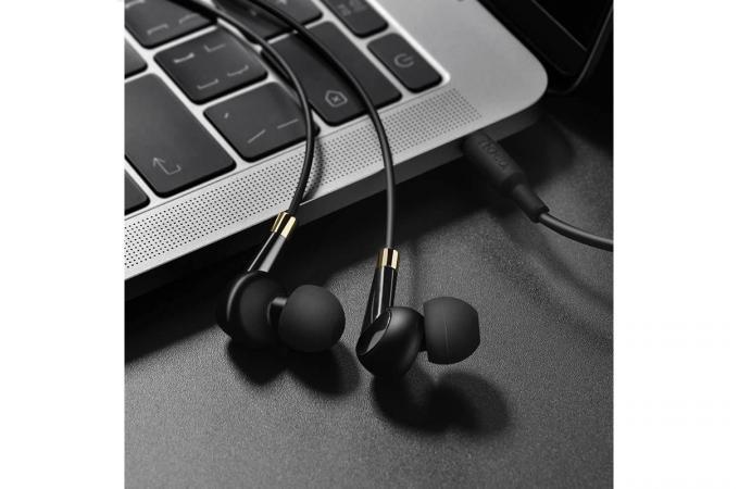Наушники HOCO M58 Amazing universal earphones черная